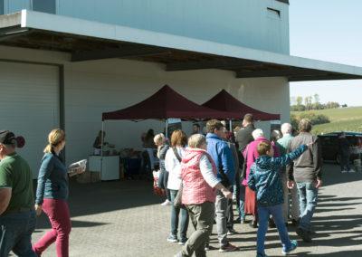 Besucher vom Apfelfest auf dem Appelhof